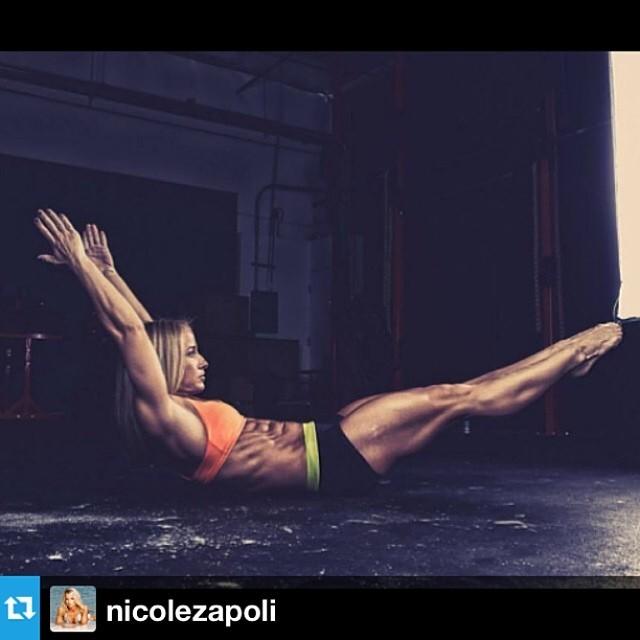 hollow-body-nicole-zapoli